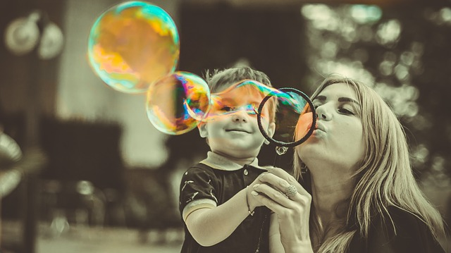 mama dieťa bubliny.jpg
