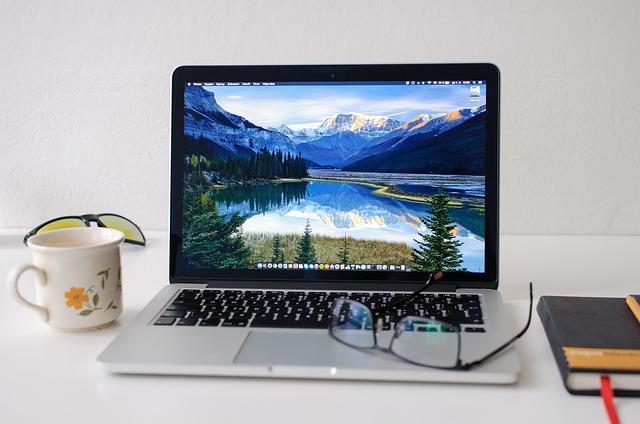 pracovný notebook.jpg