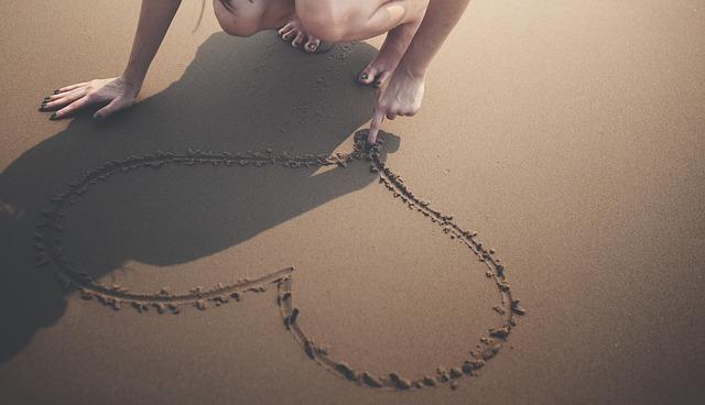 srdce v piesku.jpg