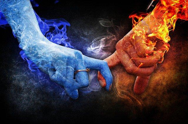 Spojenie rúk opačného pohlavie, chlad a oheň.jpg