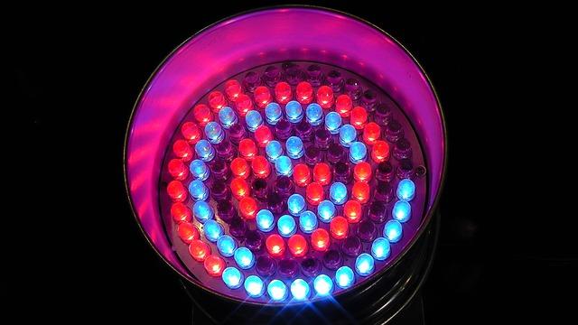 light-emitting-diodes-108431_640