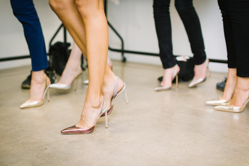 nohy, obuv, ženy